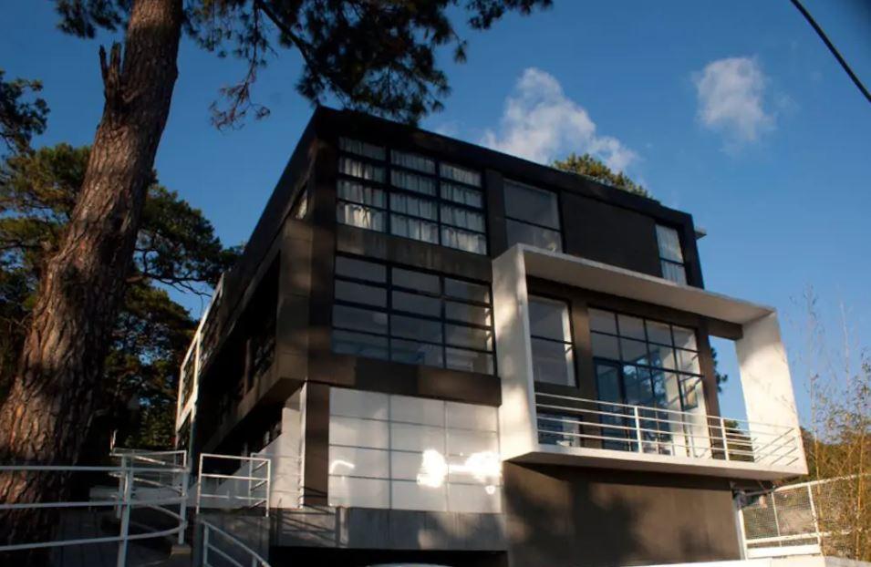 Artsy Glass House