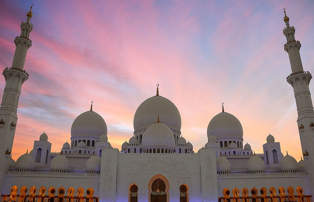 10 Best Places to Visit in Abu Dhabi