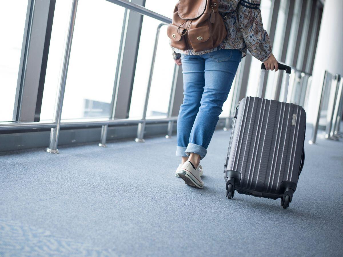 book airport transfer