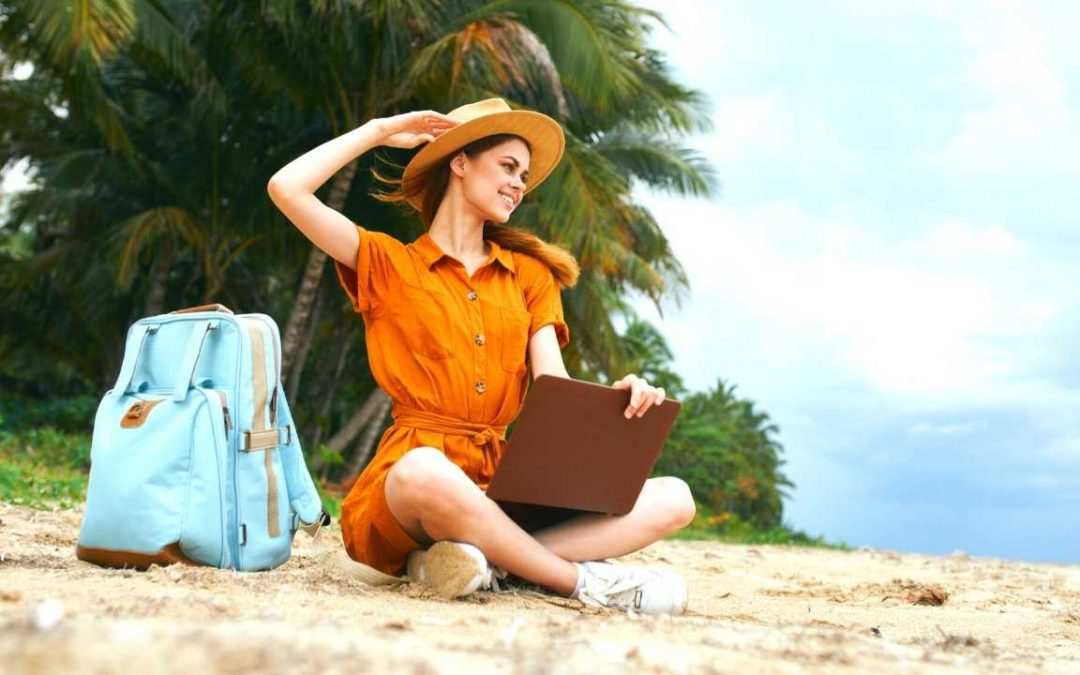 Working Remotely While Traveling – A Great Way to Make Money!